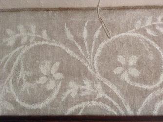 Декорирование стен обычной мешковиной