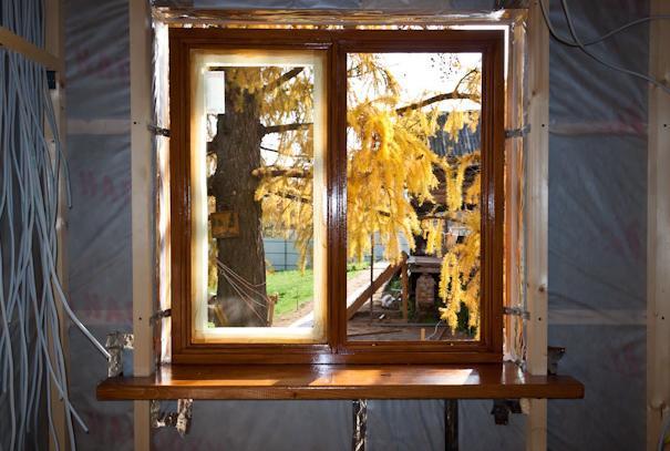 Как поставить самому деревянные окна