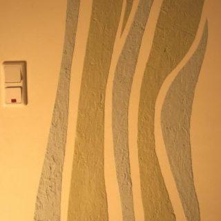 Окрашивание стен как всегда актуальный и эффектный вариант отделки
