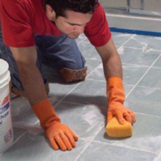 Как отмыть водоэмульсионную краску с потолка