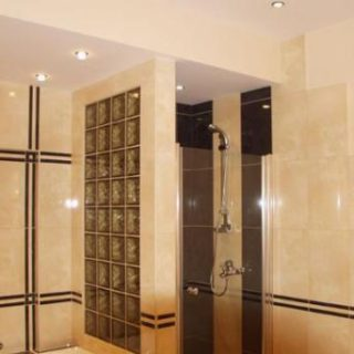 Обкладка ванной комнаты кафелем