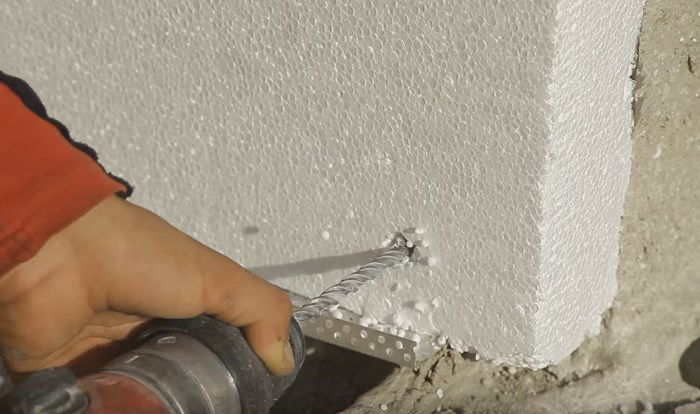 styrofoam-insulation-foam-on-wall_4