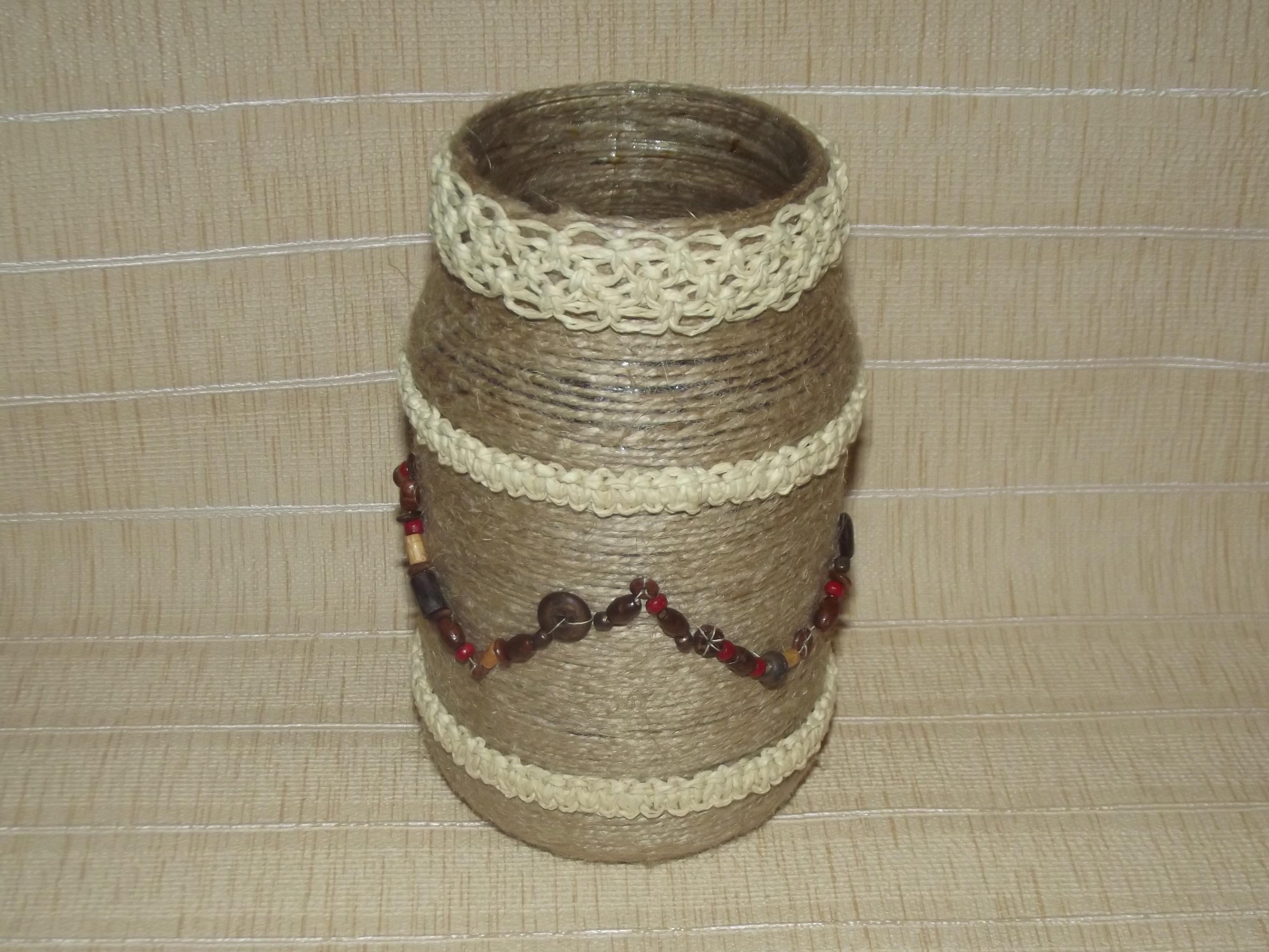 Как сделать вазу из банки и джута своими руками