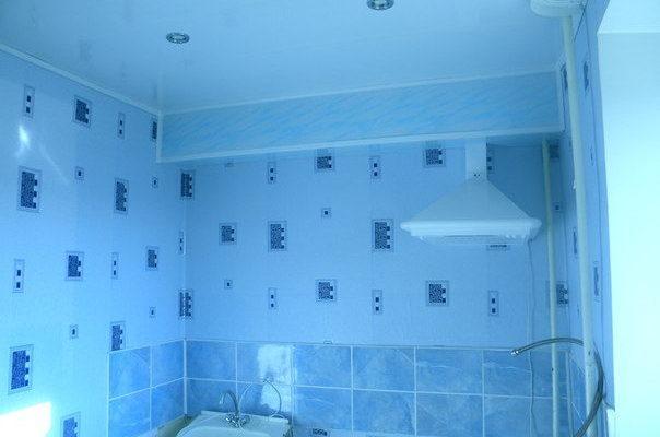 ПВХ потолок на кухне и в коридоре своими руками