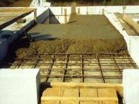Монолитная плита перекрытия, лестничная площадка и лоджия жилого дома