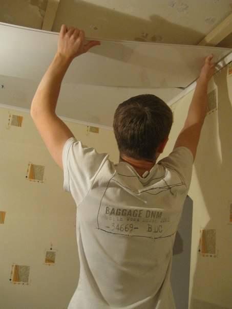 пластиковые панели на кухне потолок фото поэтапно конструкции