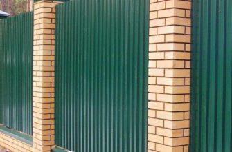 Забор из профнастила: технология, конструкция и материалы