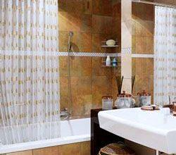 Шторки для ванной: виды и монтаж