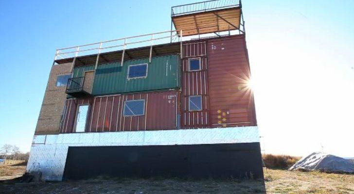 Дом из морских контейнеров: фото строительства