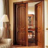 Двери из массива: преимущества и особенности древесины